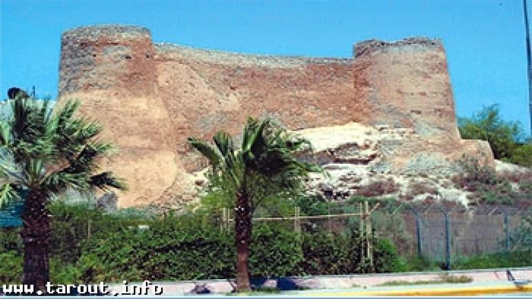 «السياحة» تتبنى مشروعاً لتطوير البلدة القديمة في تاروت