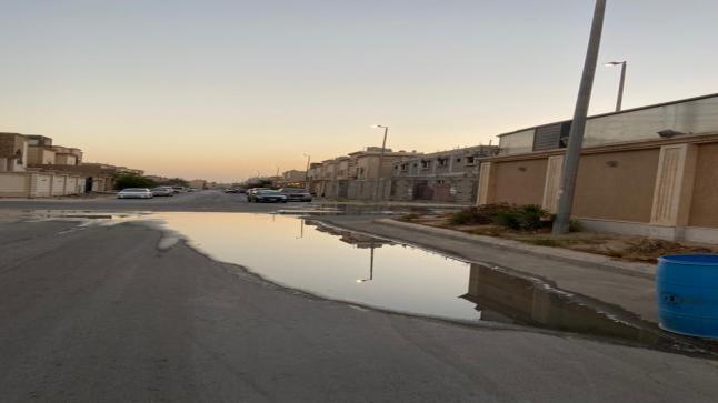 """""""الصرف الصحي"""".. معاناة مستمرة لأهالي «شاطئ تاروت»"""